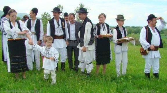 Salasu-de-Sus-nucsoara-sezatoarea-salasenilor